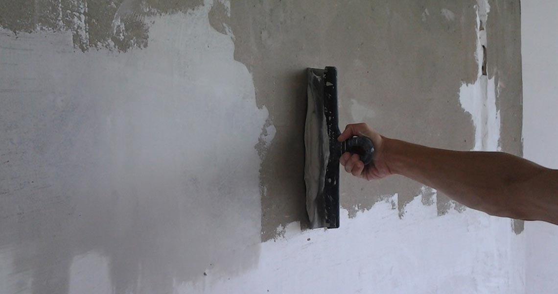 Ремонт своими руками шпаклюем стены 74